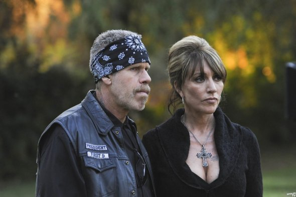 Episode-1x13-The-Revelator-sons-of-anarchy-2933941-1600-1065